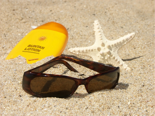 Sunscreen-starfish-glasses