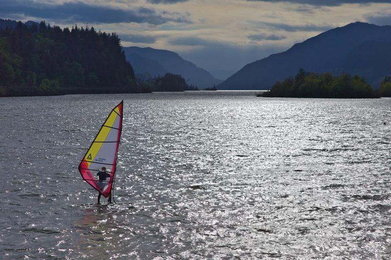 Gorge windsurfing