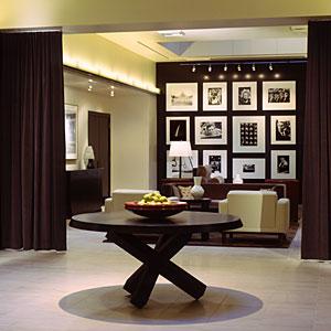 Portland-accommodations-hotel-lucia-tg-m